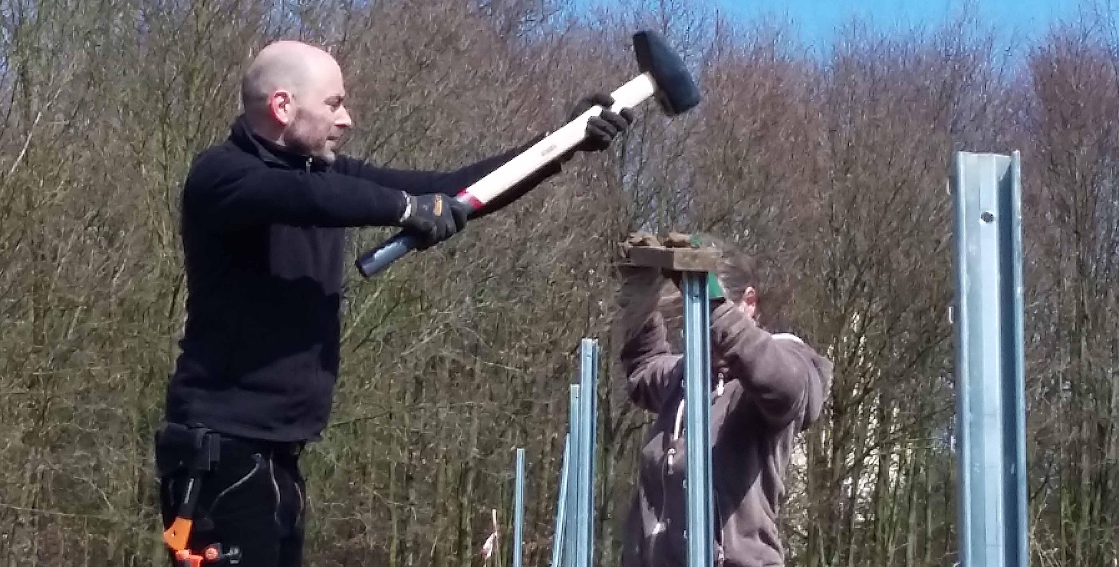 Zaunbau|Zauberwaldgartenwächst|Frühling